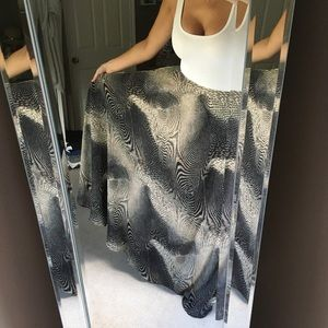Dresses & Skirts - Maxi skirt - extra long and extra flowy!